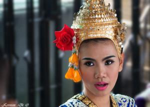 001 | Traditional temple dancer @ Siam Square